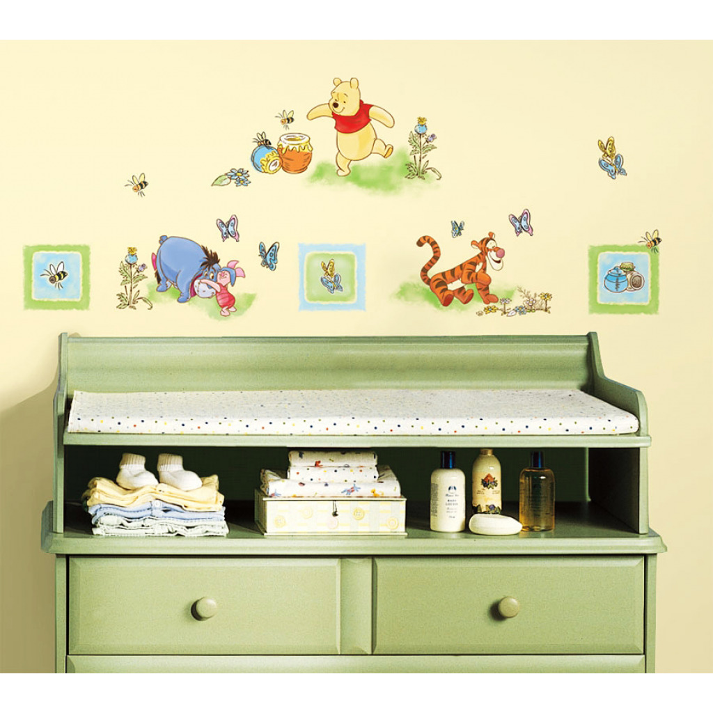 roommates wandtattoo winnie pooh winnie the pooh. Black Bedroom Furniture Sets. Home Design Ideas