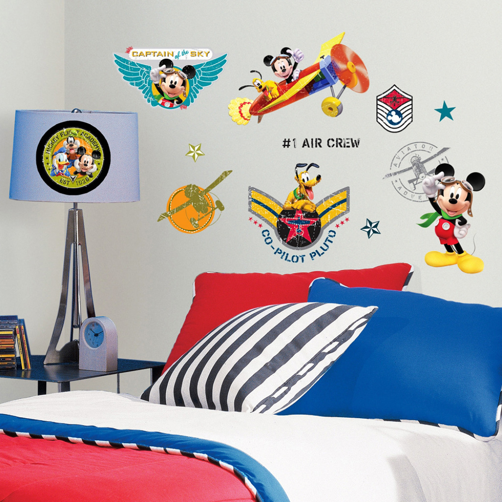 roommates wandsticker mickey mouse pilot mickey mouse. Black Bedroom Furniture Sets. Home Design Ideas