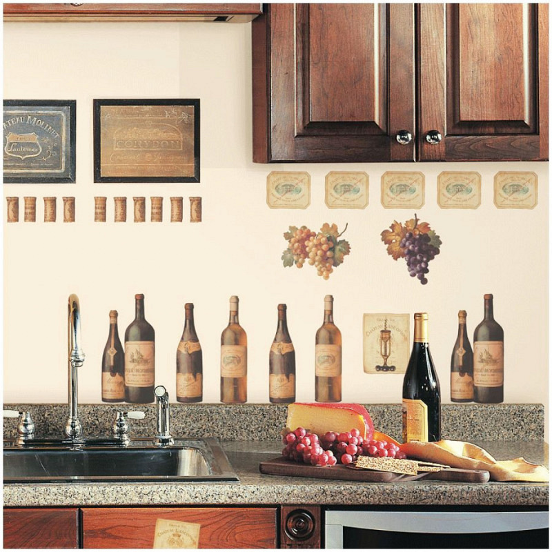 RoomMates Wandsticker Wandbild Weinflaschen Etiketten
