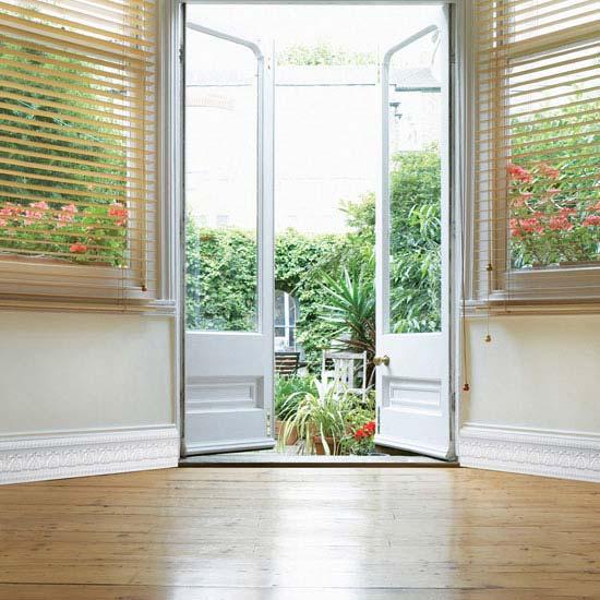 Tapeten Bord?ren Schlafzimmer : Tapeten, Fenster, Fliesen, T?ren, Putz, Spiegel, Tische, St?hle