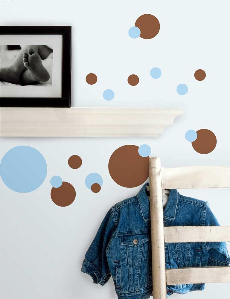 Roommates wandsticker wandtattoo blaue und braune punkte for Wandtattoo kinderzimmer punkte