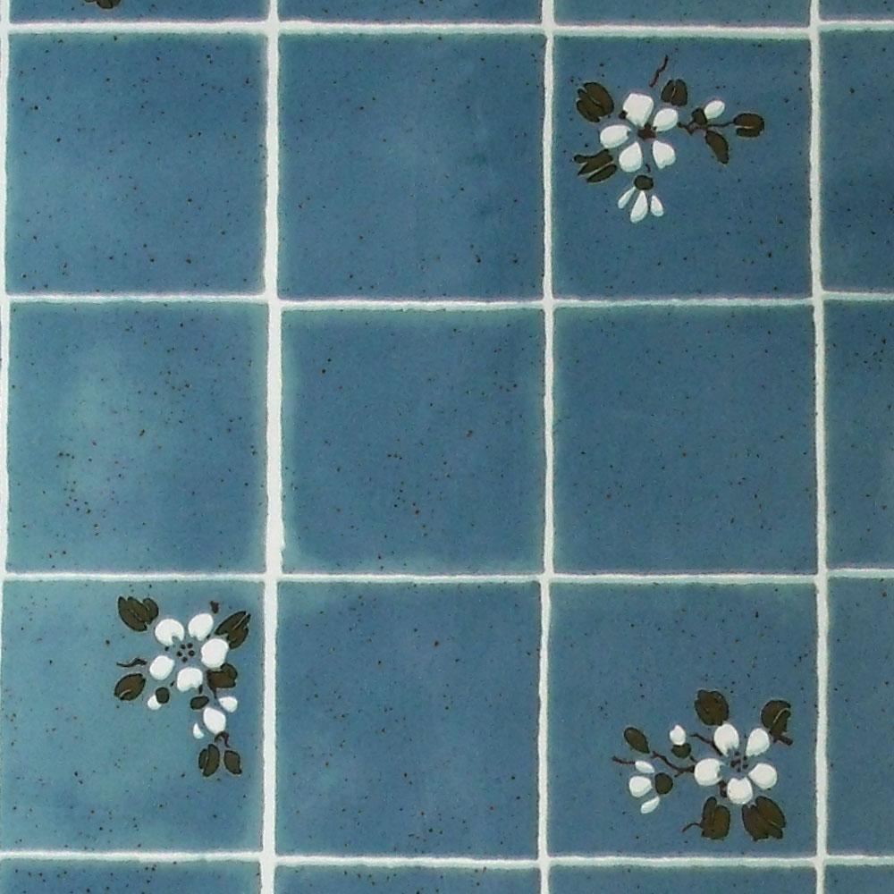 Tapete selbstklebend k chentapete blaue fliesen mit wei en bl ten www 4 - Blaue fliesen ...