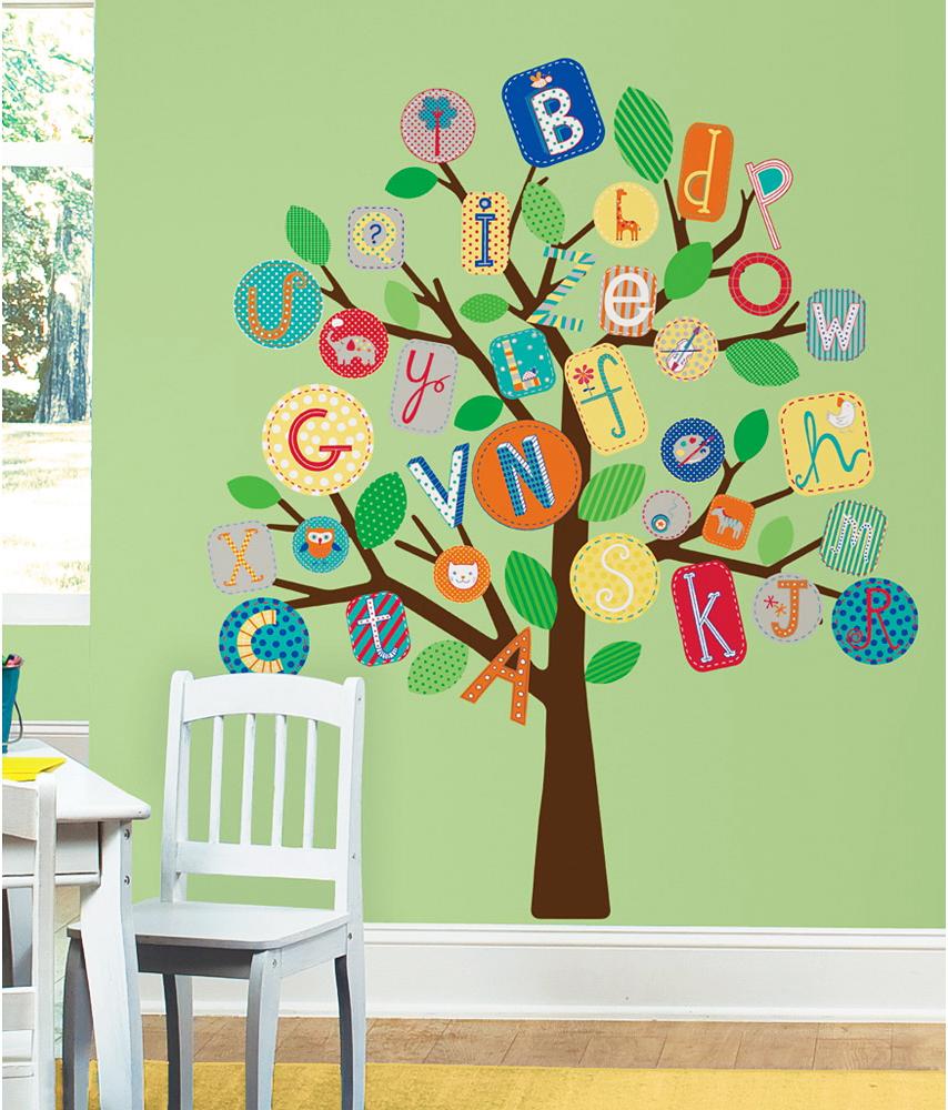 Fototapete kinderzimmer baum  RoomMates Wandsticker Baum buntes Alphabet-Kinderzimmer