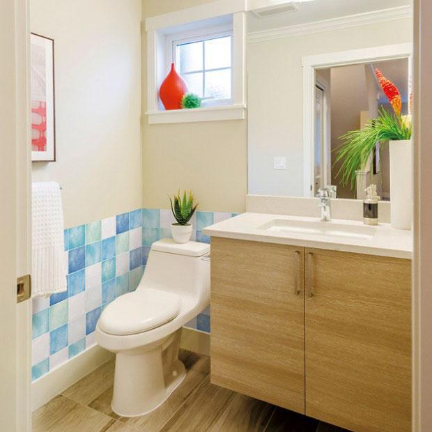 Tapete selbstklebend fliesenspiegel blau bad k che for Fliesenspiegel badezimmer